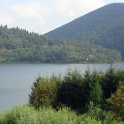 Widok latem na jezioro