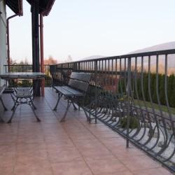 Miejsca wypoczynkowe na balkonie